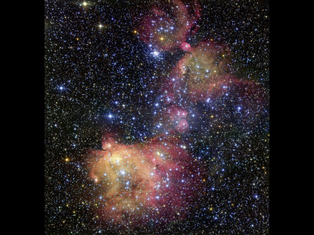 La colorida nebulosa N55