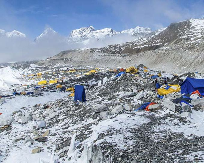 Campo base del Everest tras las avalanchas