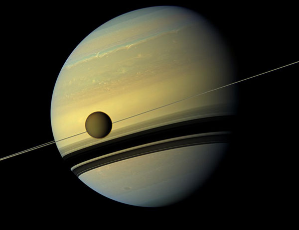 https://estaticos.muyinteresante.es/uploads/images/article/55365b6c34099b0279c8fb53/slide-titan-saturno.jpg