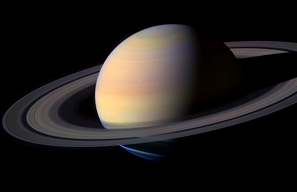Cassini sigue en marcha