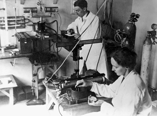 Irene y Frederic Joliot-Curie